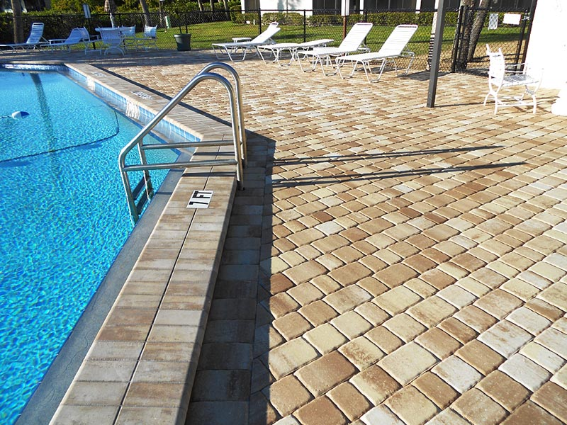 tremron olde towne cappuccino pool deck