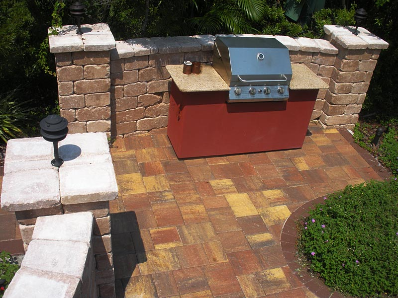 tremron stonehurst pavers and retaining wall
