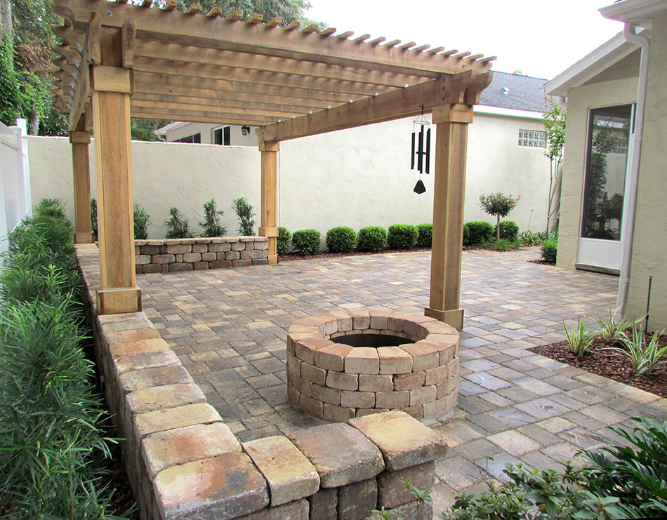 tremron stonehurst sierra pavers with firepit and seating wall